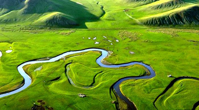 航拍莫日格勒河草原