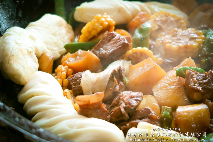 呼伦贝尔铁锅炖大丰收